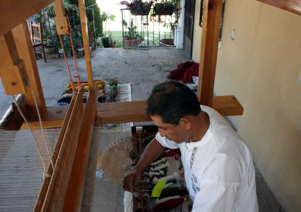 rugs-teotitlan-oaxaca-el-tono-de-la-cochinilla-gallery-29