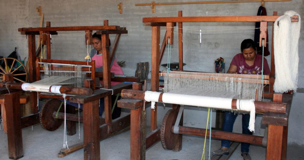 rugs-teotitlan-oaxaca-el-tono-de-la-cochinilla-gallery-35