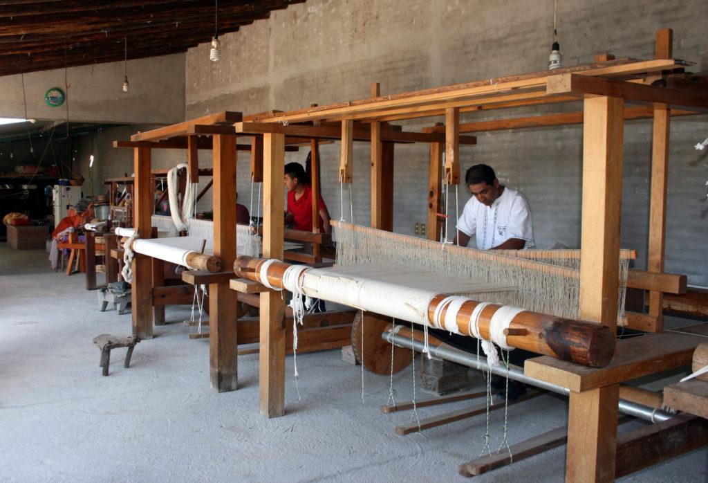rugs-teotitlan-oaxaca-el-tono-de-la-cochinilla-gallery-38