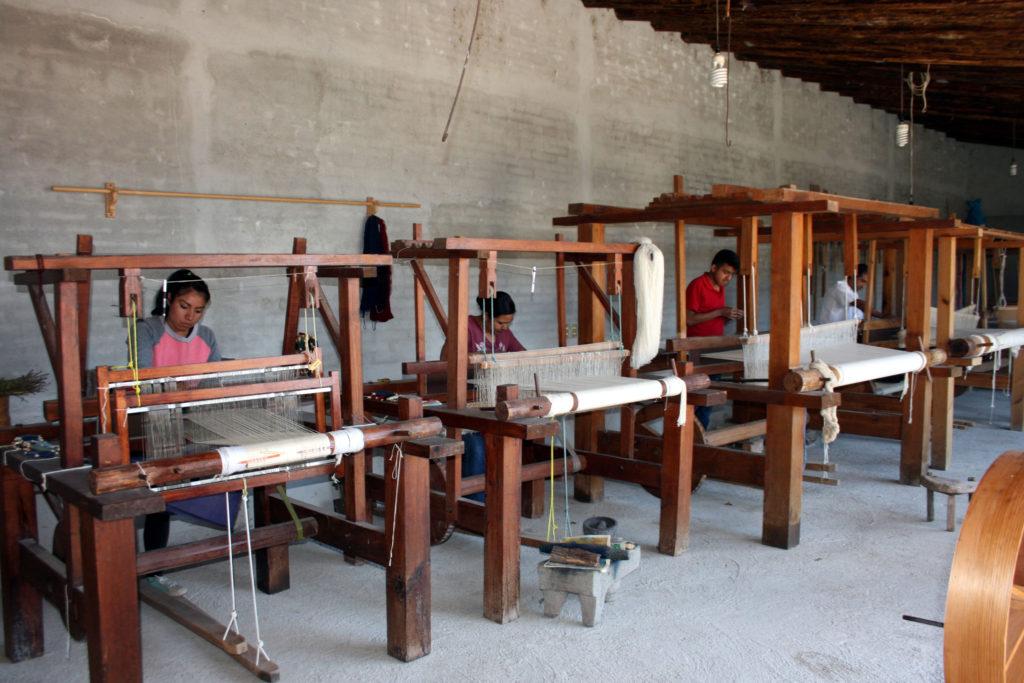 rugs-teotitlan-oaxaca-el-tono-de-la-cochinilla-gallery-40