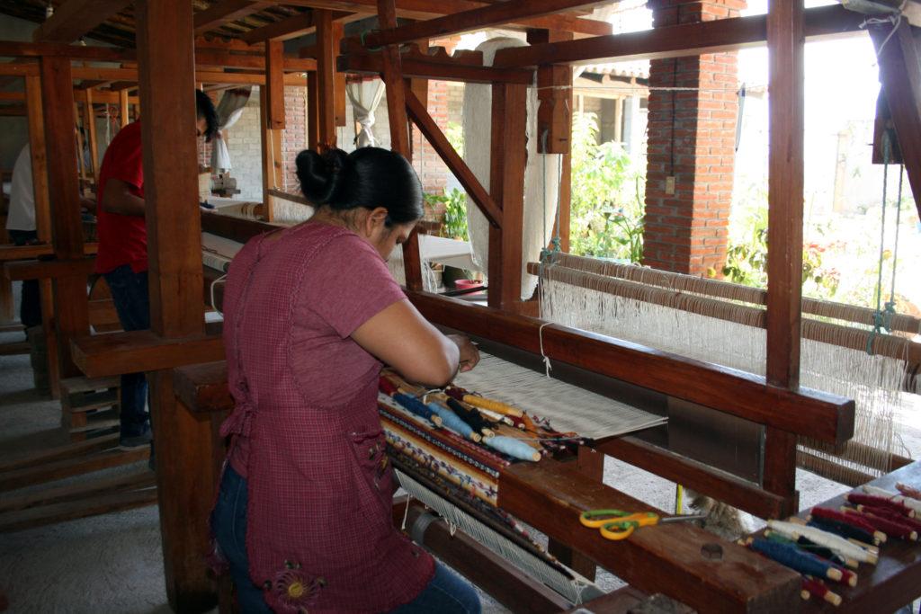 rugs-teotitlan-oaxaca-el-tono-de-la-cochinilla-gallery-42